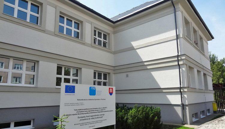 Miroslav Kubičár zostáva na poste riaditeľa púchovského gymnázia