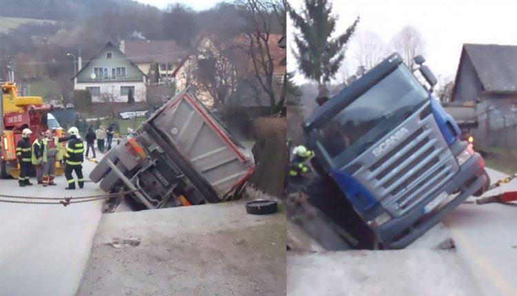 Dopravná nehoda nákladného vozidla v Púchove
