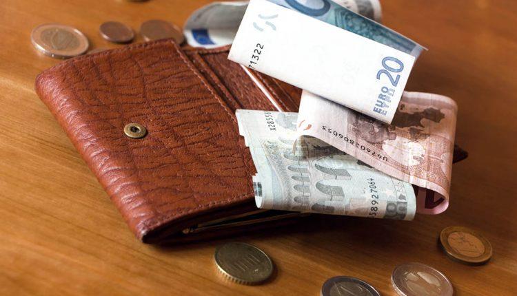 Vydával sa za poisťováka, dôchodcov okradol o 3 210 eur