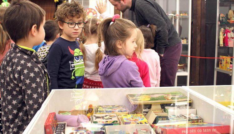 Tip na voľný čas: Výstava oživuje spomienky na detstvo
