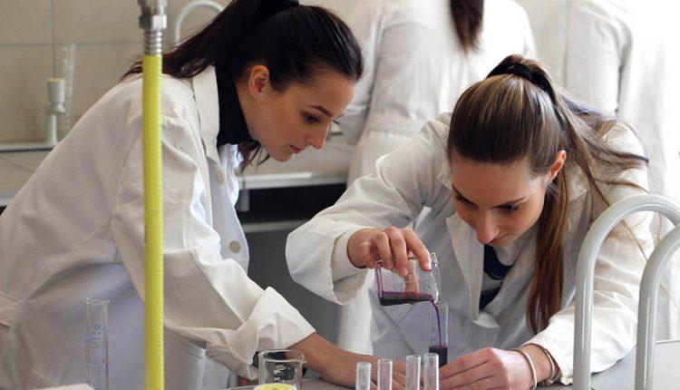 Na Gymnáziu v Púchove majú vynovené laboratóriá
