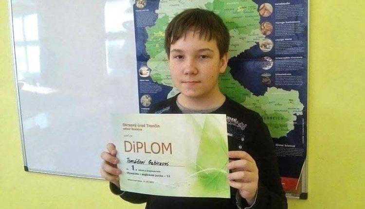Tomáš postúpil do celoštátneho kola olympiády v anglickom jazyku