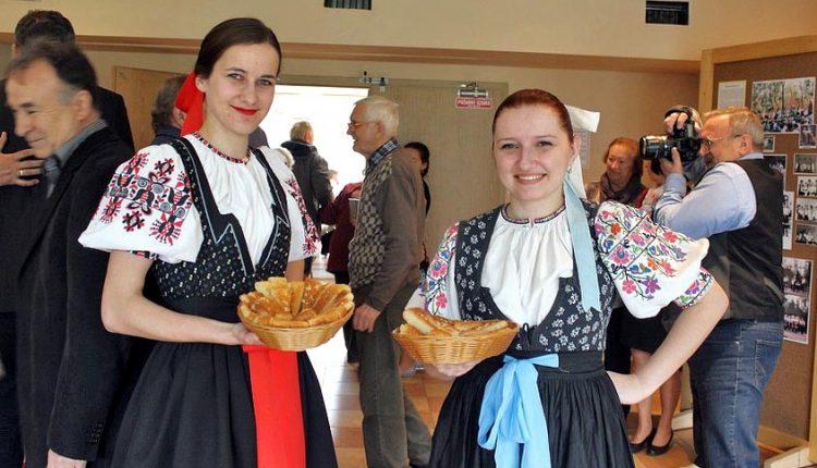 Folklórne skupiny z Púchovskej doliny pokračujú v tradícii