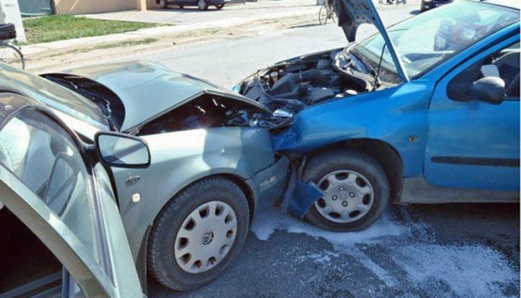 Nehoda dvoch vozidiel v Horných Kočkovciach