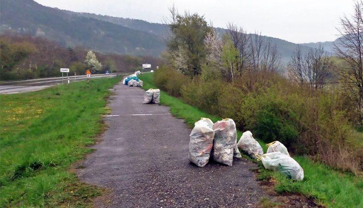 Breh Váhu spoločne vyčistili a zbavili odpadu