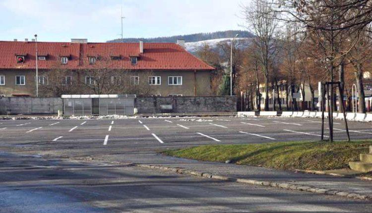 Parkovisko pri športovom areáli nakoniec nekúpila radnica, ale MŠK Púchov