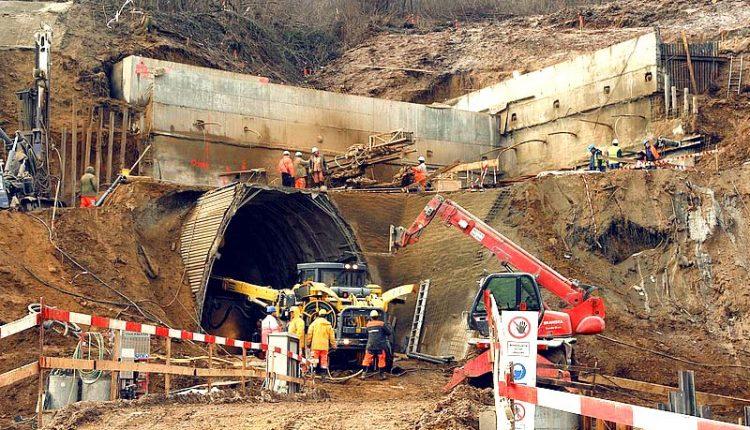 Vybudujú sa nové tunely aj železničné mosty