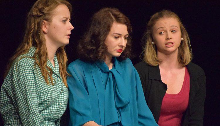 Červené vankúše opäť na divadelnej scéne: Každý z hrdinov má za ušami