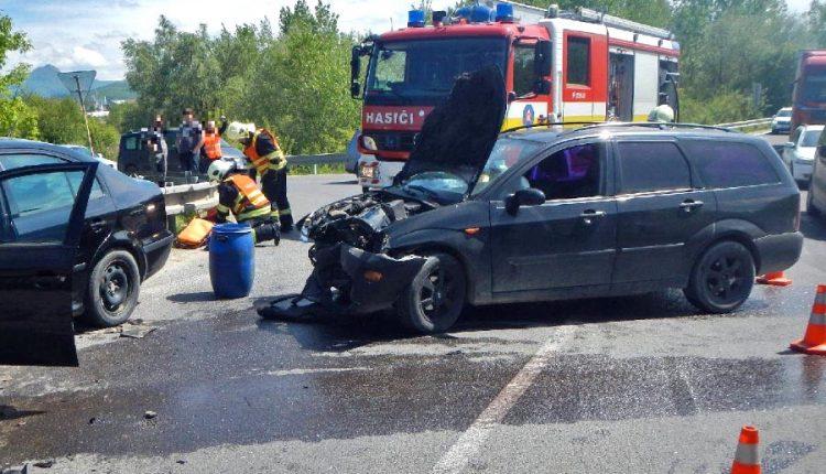 Dopravná nehoda dvoch vozidiel neďaleko Pruského