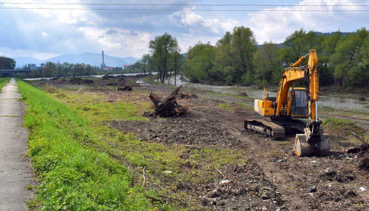 Petícia proti výstavbe športového areálu na sútoku Bielej vody a Váhu