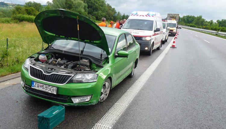 Nehoda na diaľnici pri Beluši, vodič nedával pozor