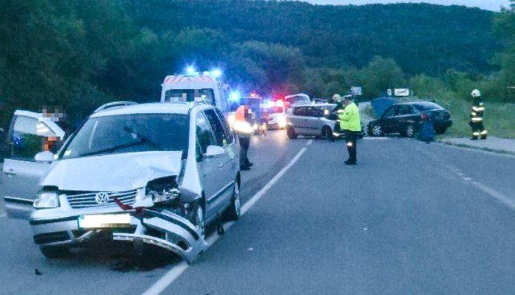 Dopravná nehoda troch vozidiel v Púchove