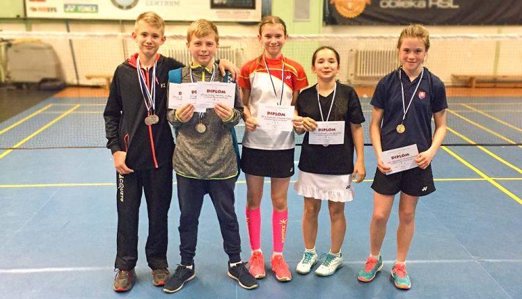 Na oblastných majstrovstvách v bedmintone mládeže najúspešnejšou Emma Žiačiková