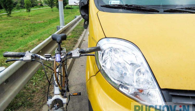 Poľský vodič narazil do cyklistu, takto to dopadlo!