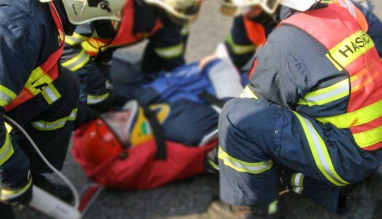 Hasenie požiaru aj transport zranenej osoby