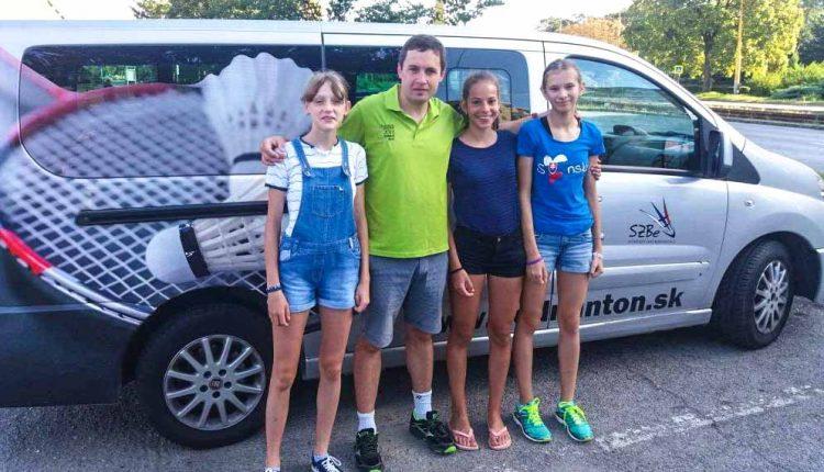 Olívia Kadlecová na týždennom bedmintonovom kempe v Srbsku