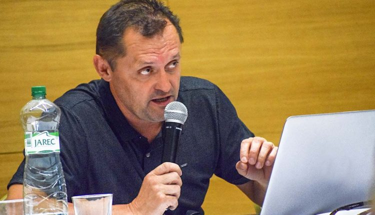 Viliam Karas sa zbavil jednej z konateľských funkcií, jeho nástupcom sa stal Ivan Andrejčík