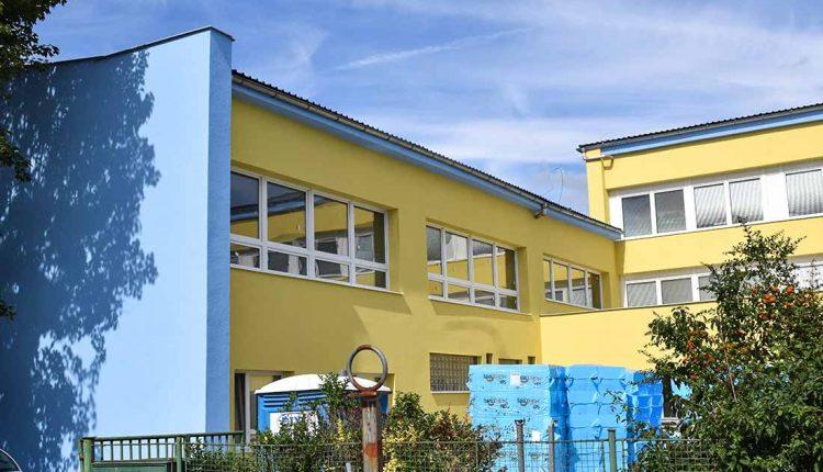 ZŠ Gorazdova bude mať okrem nových okien a fasády aj zrekonštruované oplotenie