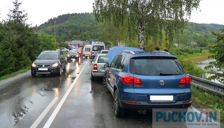 Hromadná dopravná nehoda šiestich osobných áut