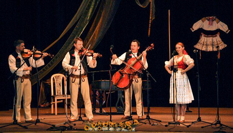 Nôty v dreve ukryté – trombitáši Štefánikovci krstili CD