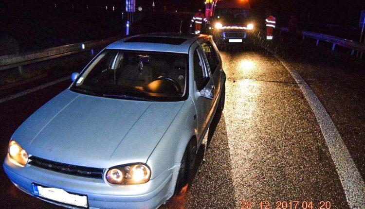 Opitý vodič na diaľnici narazil do betónových zvodidiel