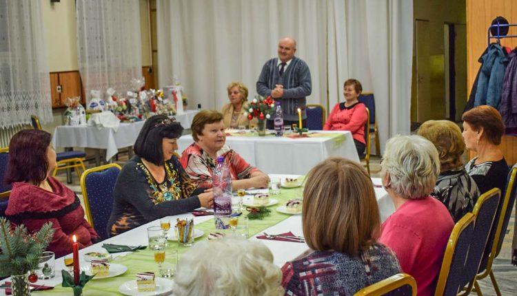 Vianočné posedenie Únie žien Slovenska v Beluši