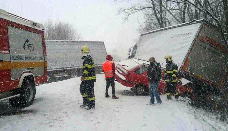 FOTO: Hromadná nehoda pri Púchove