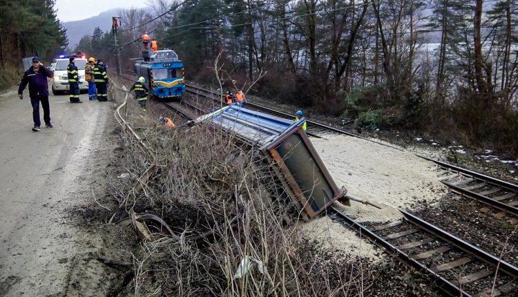 Vlaky cez Púchov nepremávali, došlo k nehode