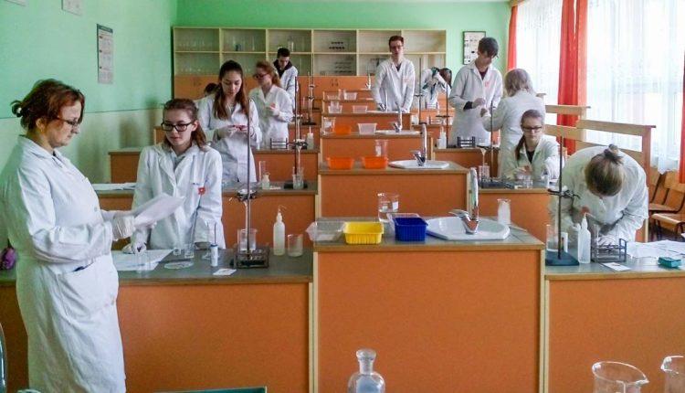 Deň venovaný skvelým mladým chemikom