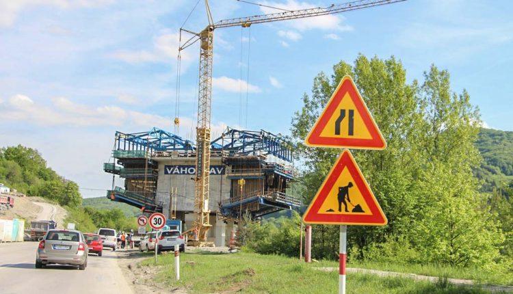 Medzi Púchovom a Nimnicou stavajú cyklotrasu, akú len tak na Slovensku neuvidíte