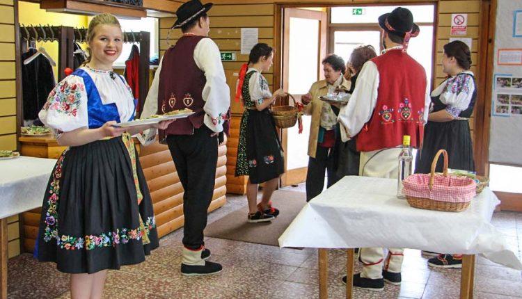 Lysá pod Makytou hostila folklórne súbory Púchovskej doliny