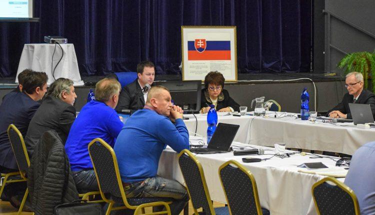 Poslanci schválili rozdelenie prebytku vlaňajšieho hospodárenia