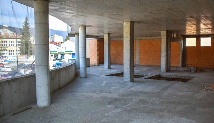 Na stavbe Púchovskej brány hrozí nebezpečenstvo úrazu