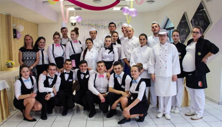 Praktické maturitné skúšky v odboroch čašník, servírka a kuchár