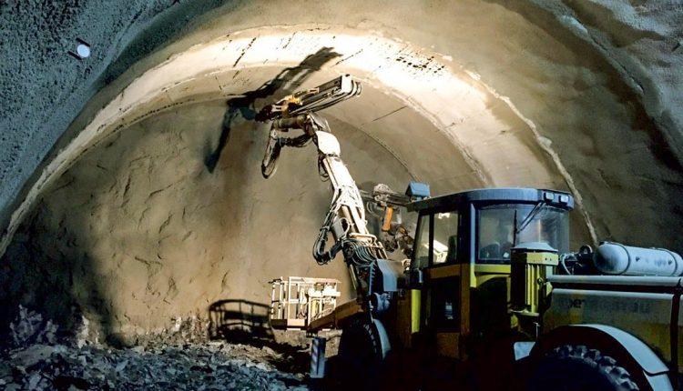 FOTO: Tunel Diel je už vyrazený, práce ale pokračujú ďalej