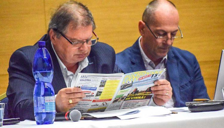 Právnik Anton Školek si prehru nepripúšťa, o súdnych trovoch poslancov klamal