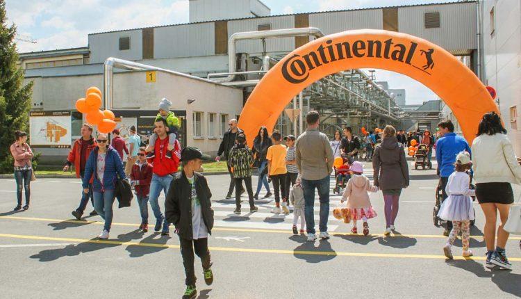 Deň otvorených dverí Continental v Púchove vzbudil aj tento rok veľký záujem návštevníkov
