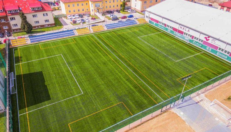 V Púchove otvoria nové futbalové ihrisko, zahrá si na ňom Róbert Vittek