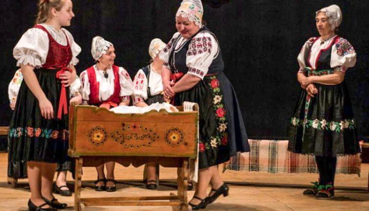 Na folklórnej regionálnej prehliadke zlaté pásma pre Dohňancov a Záriečanov