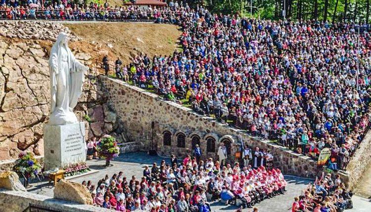 Najväčšia mariánska socha na Slovensku vyrástla na hore Butkov