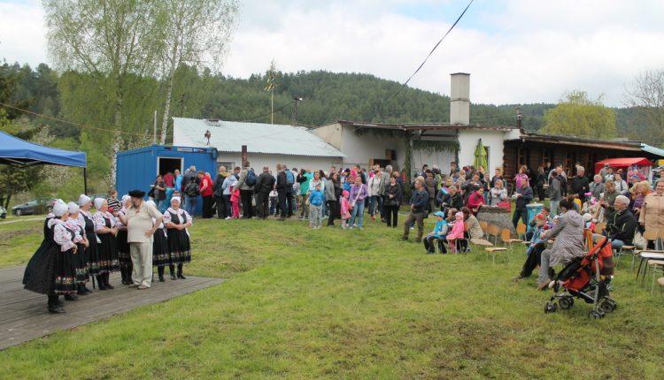 Neviete, kam za zážitkom a pravými slovenskými dobrotami? Spoznajte salaše v Trenčianskom kraji.