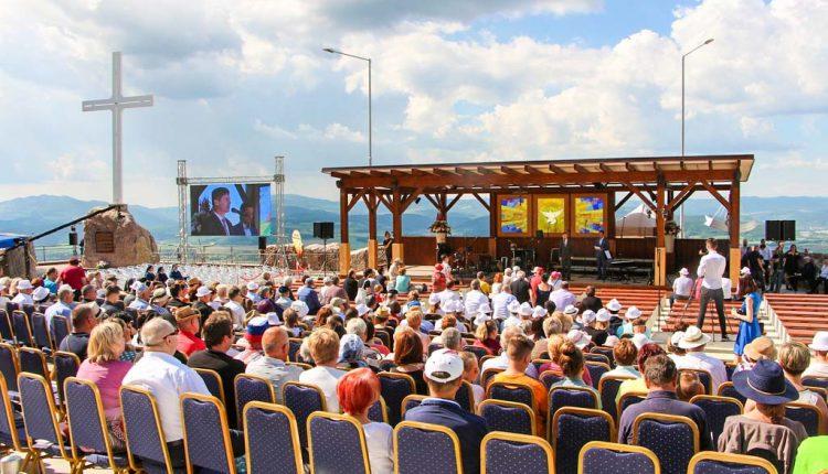 Hora Butkov privítala pútnikov zo širokého okolia, pútnické miesto hostilo duchovný koncert