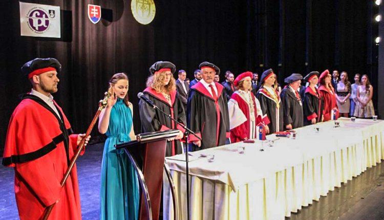 Slávnostné promócie absolventov