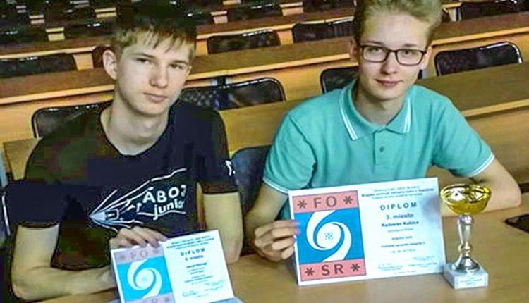 Gymnazisti z Púchova uspeli vo fyzikálnej olympiáde