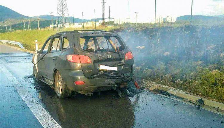 FOTO: Horiace auto na diaľnici medzi Púchovom a Považskou Bystricou
