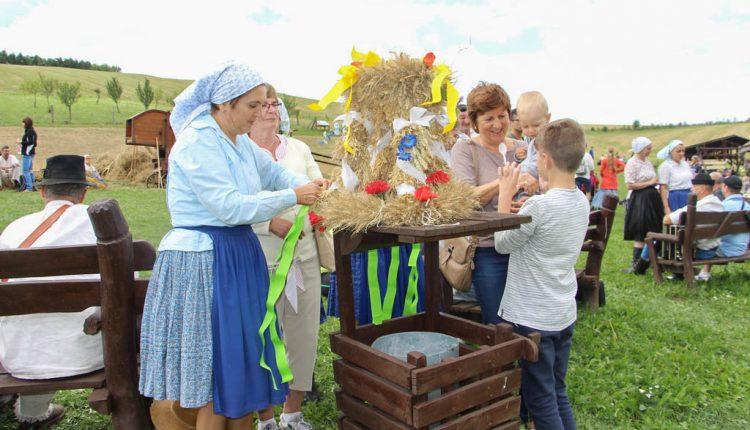 Dožinkové slávnosti aj tento rok prinesú zážitok v podobe tradícií typických pre náš kraj