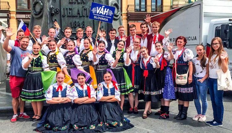 Folklórny súbor Váh reprezentuje mesto Púchov