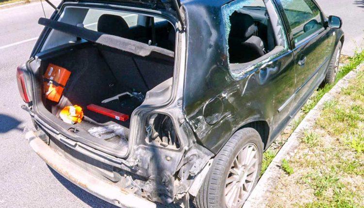 Nehoda motocyklu a osobného auta v obci Beluša