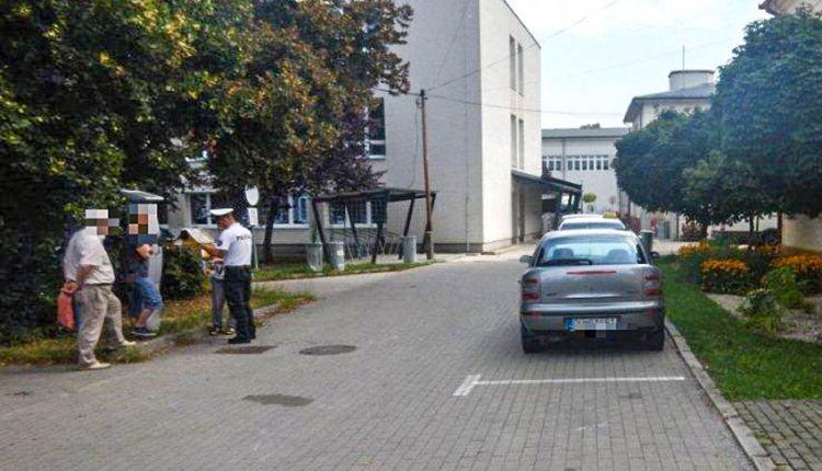 FOTO: Otvoril dvere na aute a zranil 65-ročnú cyklistku