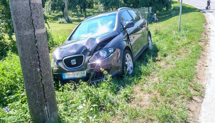Nehoda v obci Streženice, zrazili sa dve autá